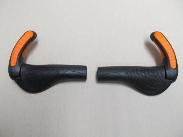 Ergon GP3s Ergo Schraubgriffe mit Bar Ends Griffe Lock On schwarz-KTM orange