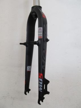Mosso MD5 420mm Alu Starrgabel schwarz-weiss-rot Disc V-Brake 26 1 1/8